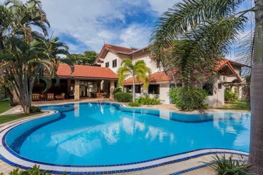Six Bedroom Pool Villa Rawai RAW06