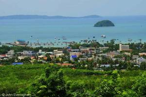 where-to-stay-in-phuket-chalong