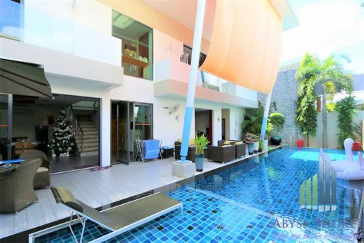 Villa In Chalong For Sale pool & terrace